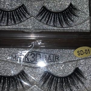 Other - Lashes 💞